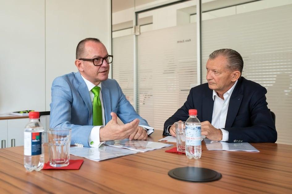 Josef Felder (links) im Gespräch mit veb.ch- Präsident Herbert Mattle.
